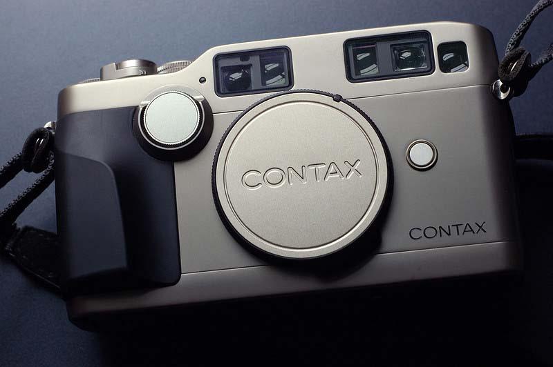 Contax G2 film street camera